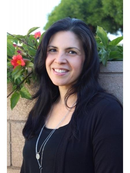 Ms Lisa Marie